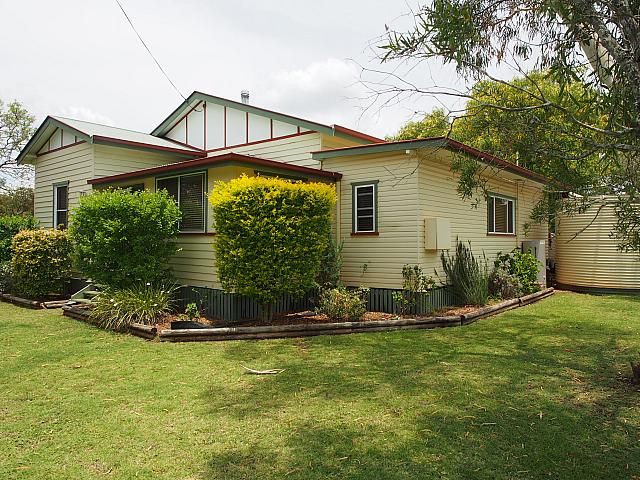 Pittsworth - Offers above $287,000